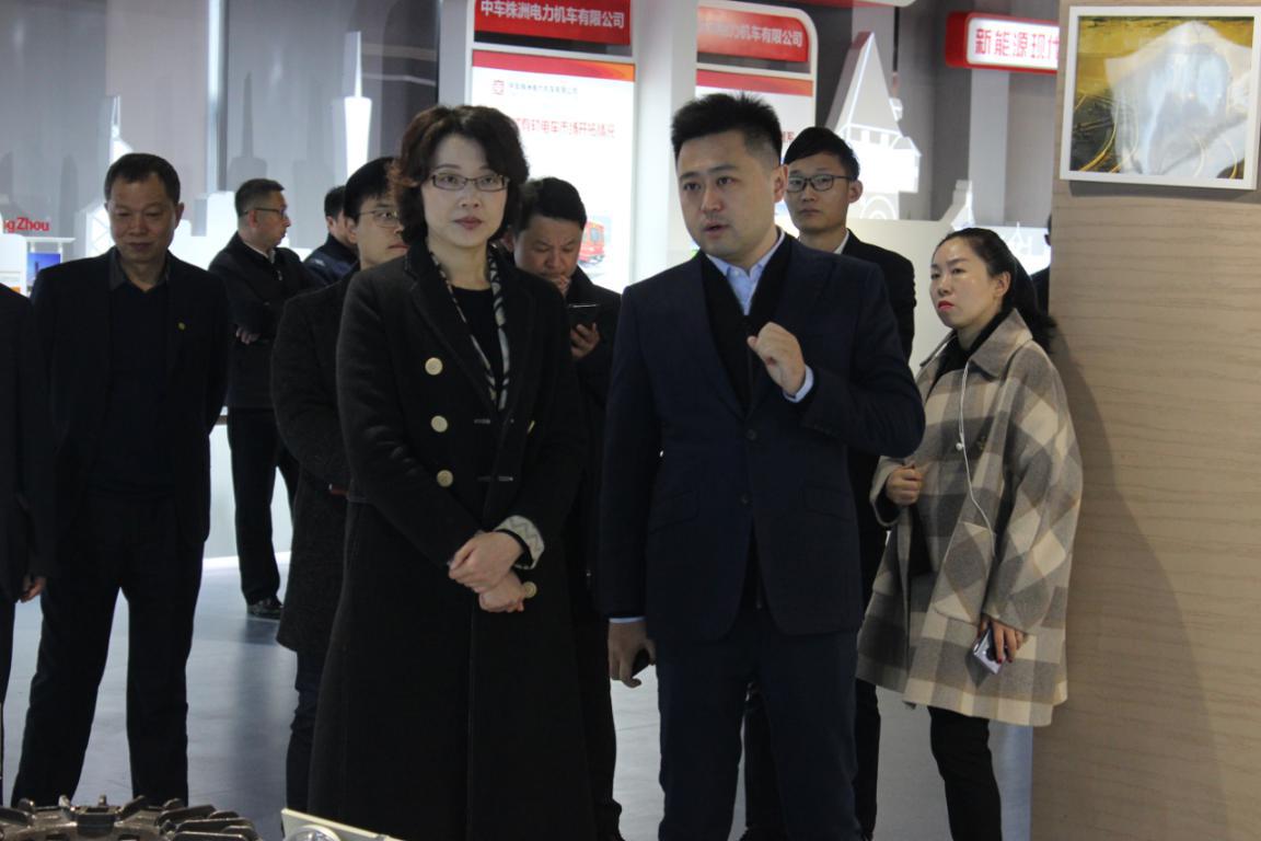 亭湖区委副书记、代区长盛艳莅临江苏中车调研考察